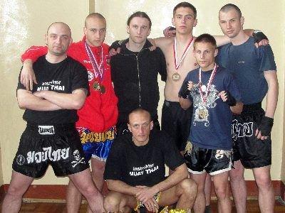 Zawodnicy i trenerzy BKMT
