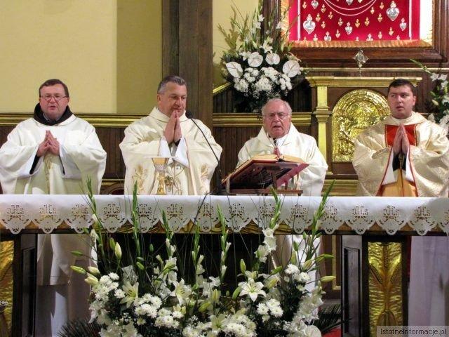 Biskup Marek Mendyk poświęcił kapliczkę dedykowaną włoskiej świętej