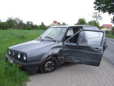 Kierowca Volkswagena skręcał w lewo na parking Centrum Ogrodniczego Meduza
