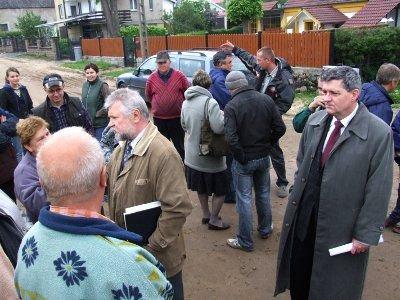 W spotkaniu z mieszkańcami ul. Zabobrze uczestniczył m.in. wiceprezydent Wiesław Ogrodnik