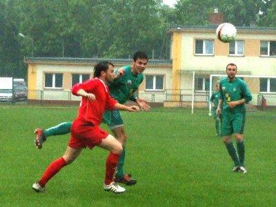 Po tym uderzeniu Krzysztofa Szymańskiego piłka minęła bramkę gości