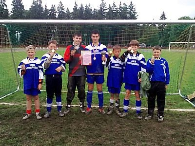 Młodzi piłkarze z Nowogrodźca są mistrzami strefy