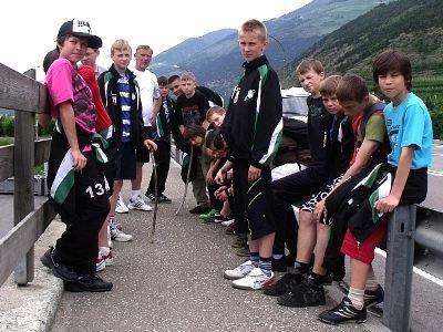 Młodzi  piłkarze z Bolesławca rozgrywali mecze i chodzili na wycieczki