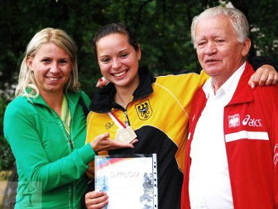 Od lewej: Małgorzata Markowska, Agnieszka Dalmata i Marian Dobija - prezes DZLA