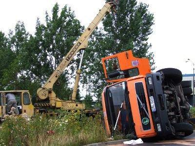 Kierowcy przewróconej ciężarówki na szczęście nic się nie stało