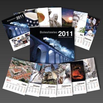 W kalendarzu zaznaczone są imieniny i najważniejsze święta oraz rocznice
