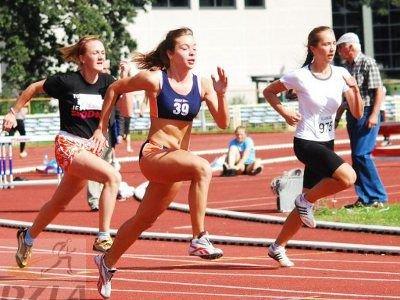 Ewa Ochocka, nr 39, zdobyła srebrny medal na dystansie 100 metrów