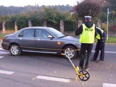 Kierowca Rovera potrącił kobietę na przejściu dla pieszych
