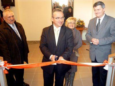 Od lewej: szef Rady Miasta Józef Pokładek, prezydent Piotr Roman, Ilona Suchecka i wiceprezydent Wiesław Ogrodnik