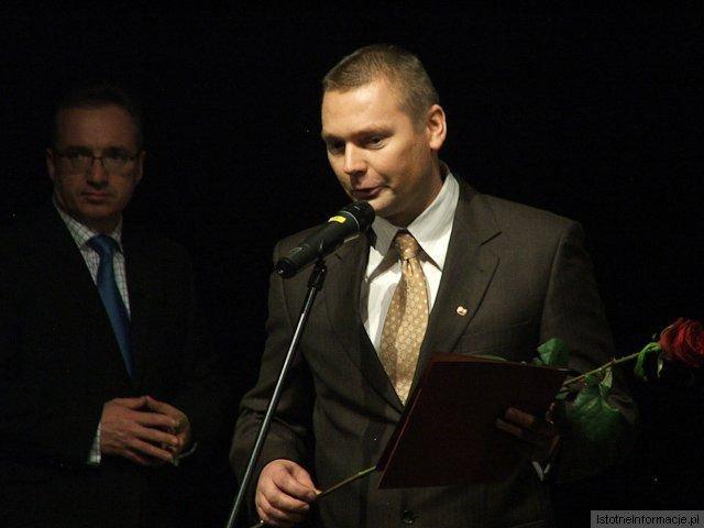 Tomasz Markowski z-index: 0