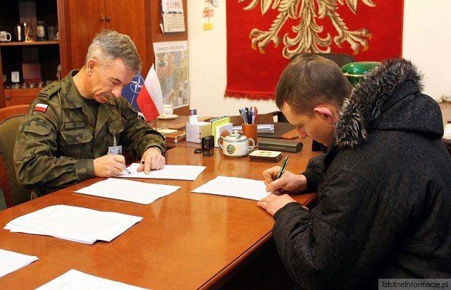 Artyleryjskie kontrakty z-index: 0