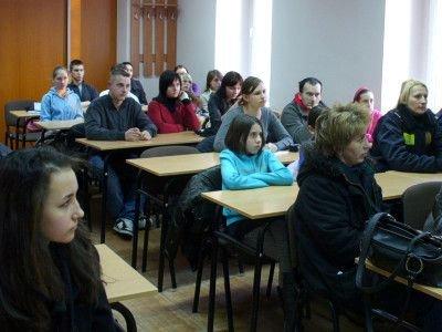 Na zebranie założycielskie przybyło dużo młodzieży i zaproszone strażniczki miejskie