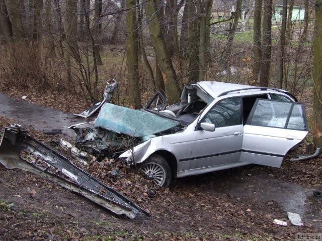 Do wypadku doszło przed godziną 10:00 na ul. Jeleniogórskiej