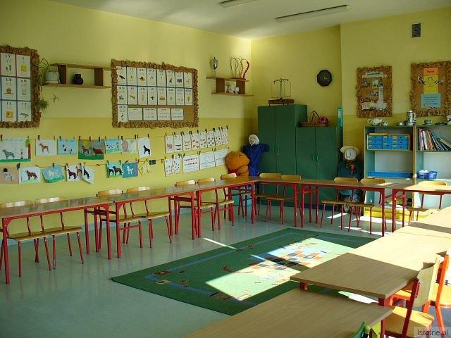 Sale szkolne są dobrze przygotowana na przyjęcie sześciolatków (Szkoła Podstawowa nr 3 na ul. Ceramicznej)