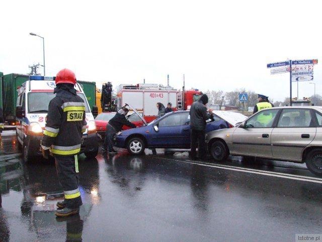 W kolizji brały udział 3 samochody