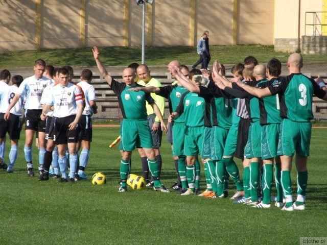 Piłkarze przed meczem