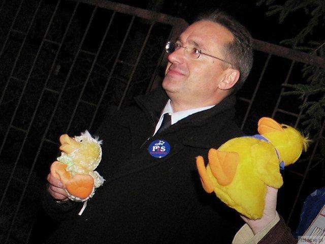 Rozstanie z kaczuszką-przytulanką przyniosło Romanowi same korzyści