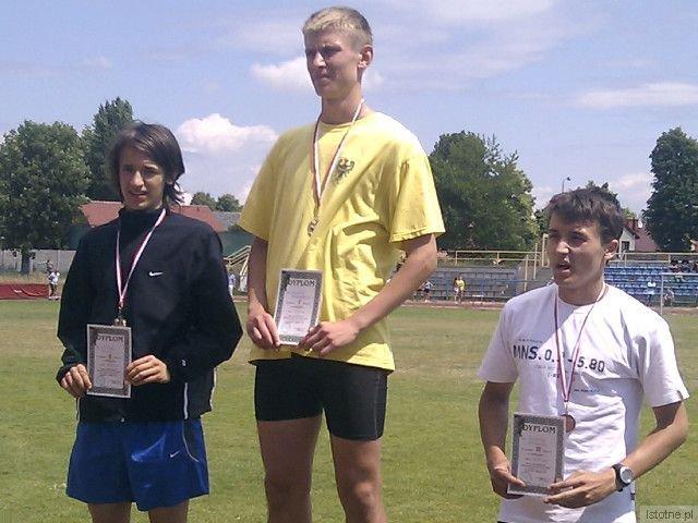 Pierwszy z lewej: Maciej Goss