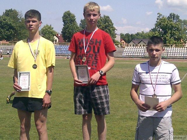 Pierwszy z prawej: Mateusz Połczyński