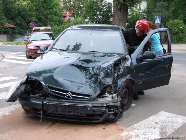 Kierowca Citroëna odniósł niegroźne obrażenia ręki