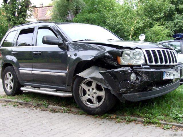 Jeep wjechał na skrzyżowanie od ulicy Zwycięstwa