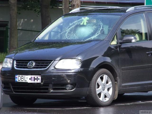 Vokswagen wyjeżdżał od strony ulicy Spokojnej