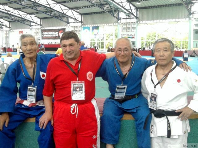 Edward Spraski i judocy z Japonii