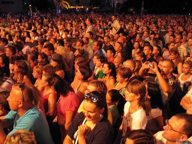 Publiczność na koncercie zespołu Sumptuastic