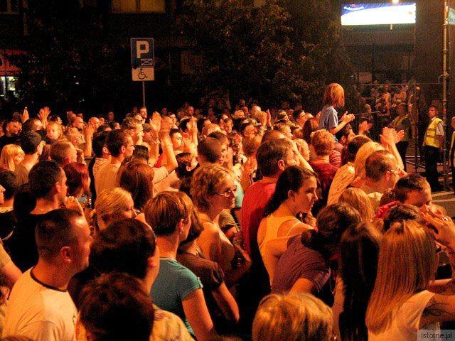 Publiczność na koncercie Ani Dąbrowskiej