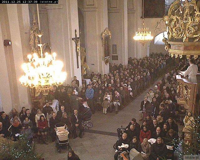 Główna nawa Sanktuarium Maryjnego pod adresem www.istotne.pl/kamera4.php