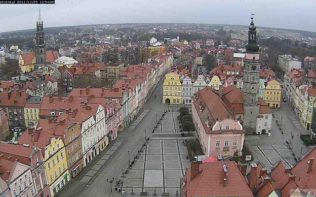 Na stronie www.istotne.pl/kamera2.php można w święta na żywo oglądać Rynek