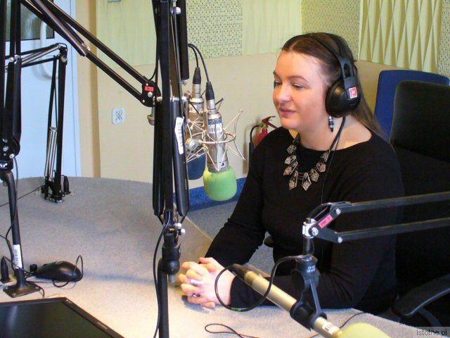 Grażyna Hanaf w studiu Polskiego Radia