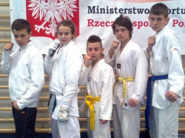 Mateusz Pytliński, Wiktoria Knapczyk, Dawid Poznański, Mateusz Boczarski i Marcin Skiba