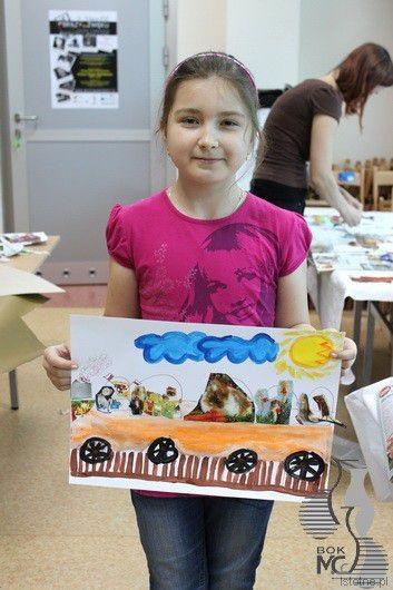 Roksana prezentuje swoją pracę