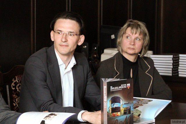 Maciej Małkowski ze Stowarzyszenia Ziemia Bolesławiecka i Anna Bober-Tubaj z Muzeum Ceramiki