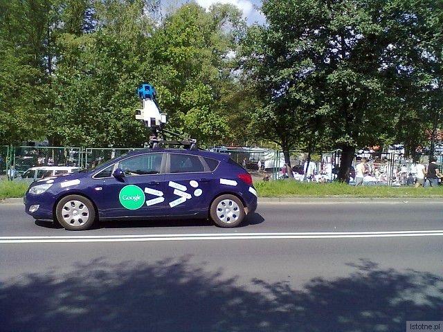 Samochód Google Street View na ul. Jeleniogórskiej w Bolesławcu