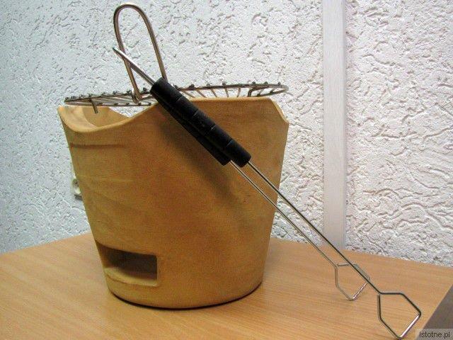 Szamotowy grill to nowość ZC Bolesławiec – jest stabilny, funkcjonalny i bardzo wytrzymały