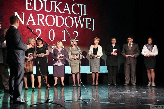 Nauczyciele z edukacyjnych jednostek powiatowych z-index: 0