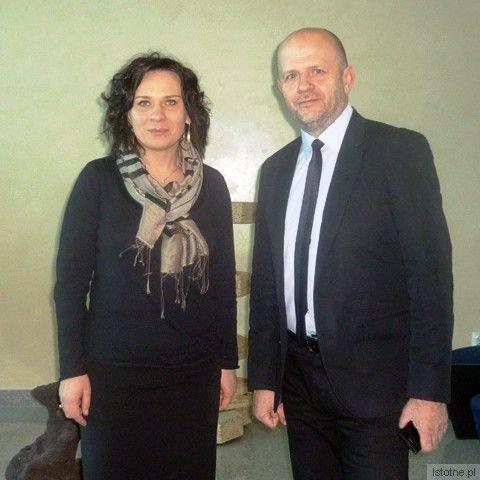 Wiceminister kultury Monika Smoleń i wiceprezydent Bolesławca Kornel Filipowicz