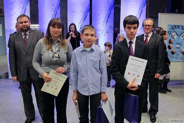Wyróżnieni w konkursie od lewej Marek Mieniek z Gimnazjum Samorządowego nr 2 i Bartosz Gajda z MZS nr 2, Gimnazum Samorządowego nr 1