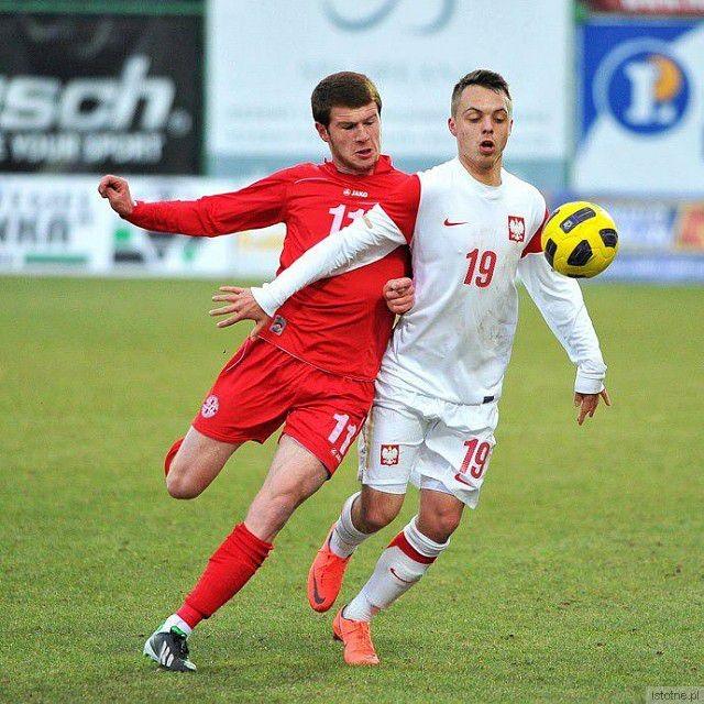 Maciej Szewczyk (z numerem 19 na koszulce)