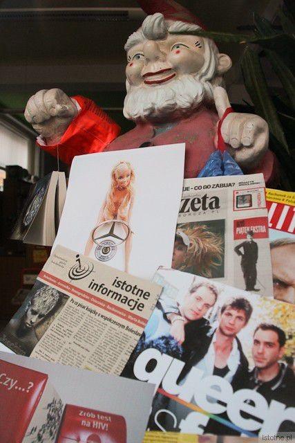 """Krasnal z powieści """"Joachim"""" na wystawie w księgarni Agora w Bolesławcu"""
