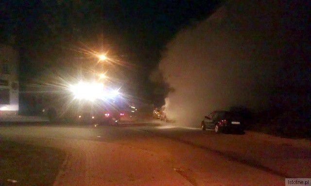Przed ugaszeniem przez strażaków auto było kulą ognia