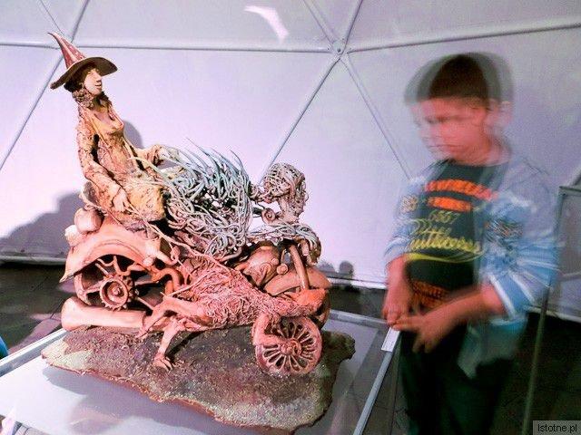 Rzeźba autorstwa Kazimierza Kalkowskiego z-index: 0
