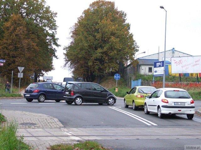 Na skrzyżowaniu ulic Cieszkowskiego z Modłową często dochodzi do kolizji