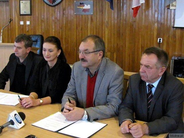Arkadiusz Żądło, Justyna Ziółkowska, Cezary Przybylski i Stanisław Chwojnicki