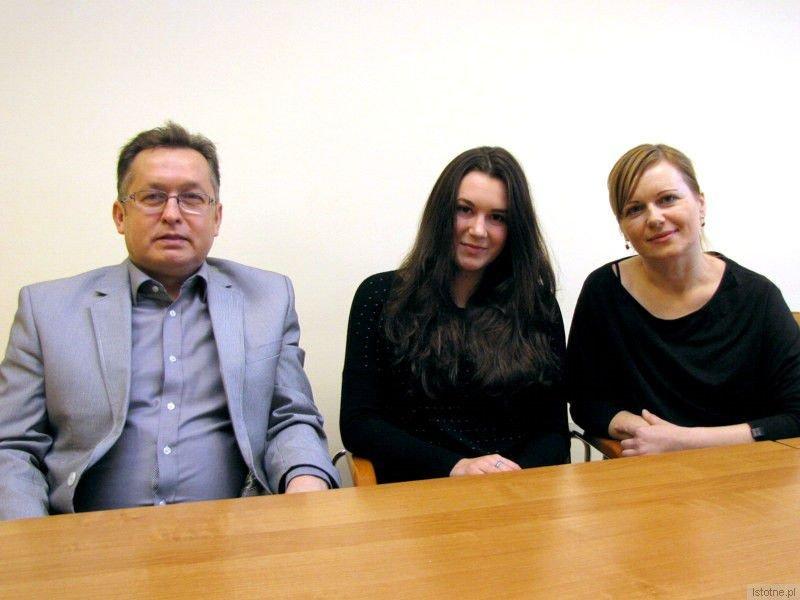 Mirosław Sakowski, Martyna Stasiak i Elwira Madeiska