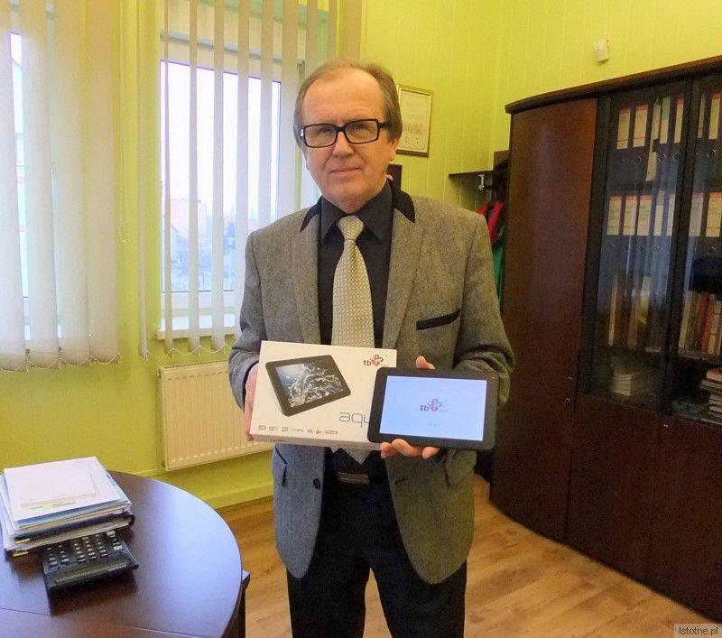 Tablety od PWiK w Bolesławcu otrzymali dwaj bolesławianie i mieszkaniec Dobrej