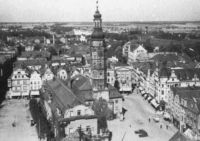 Zdjęcie wykonano na początku XX wieku z wieży kościoła