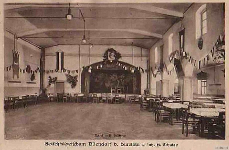 Wnętrze karczmy w Bolesławicach w latach 20. XX wieku